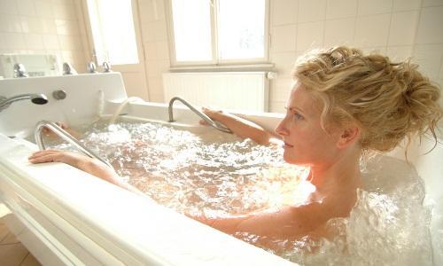 принятие хвойно жемчужных ванн