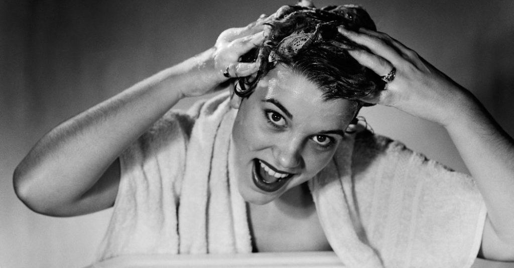 мытье волосов гелем