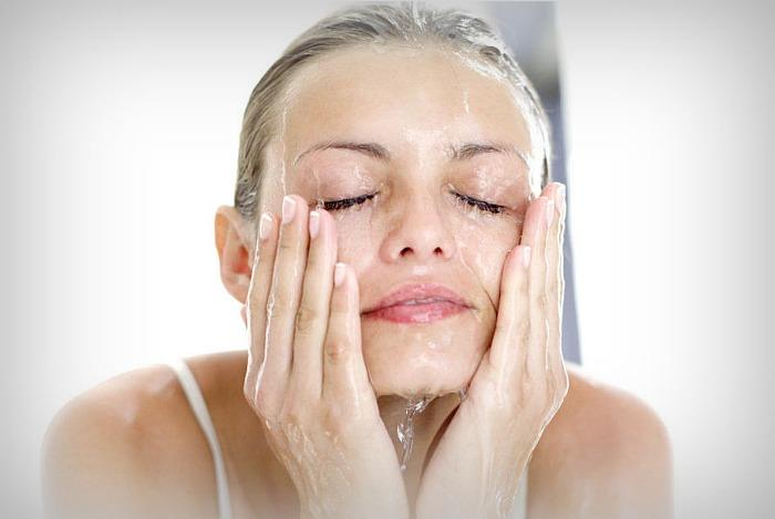 мытье лица гелем для душа