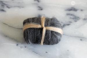 использовании шерстяных ниток при упаковке мыла
