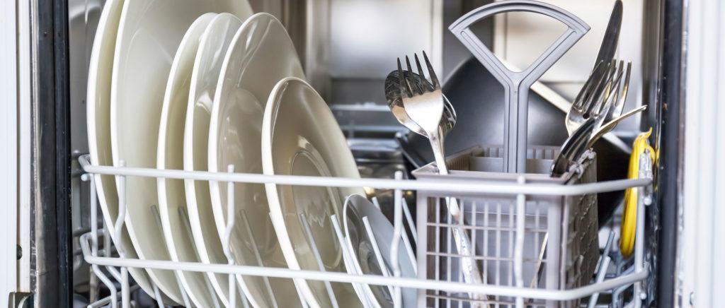 посуда после мойки самодельным средством для мытья