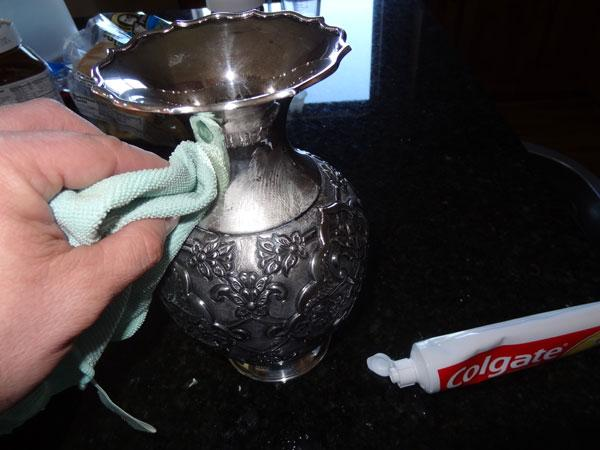 Зубная паста помогает от ожогов