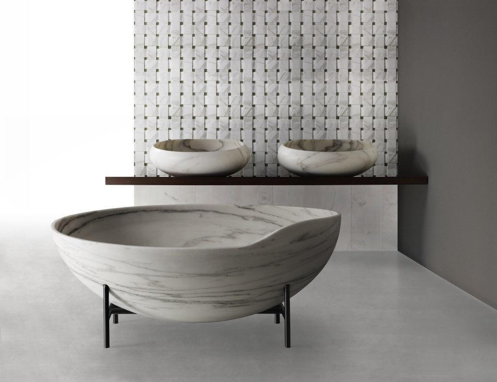 круглая ванна из литого мрамора