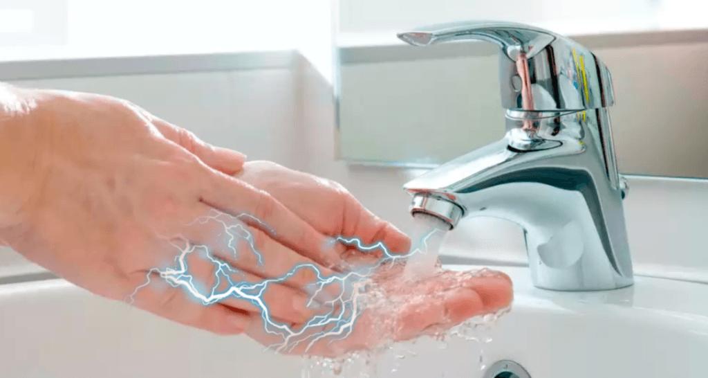 Что делать, если водонагреватель бьет током через воду